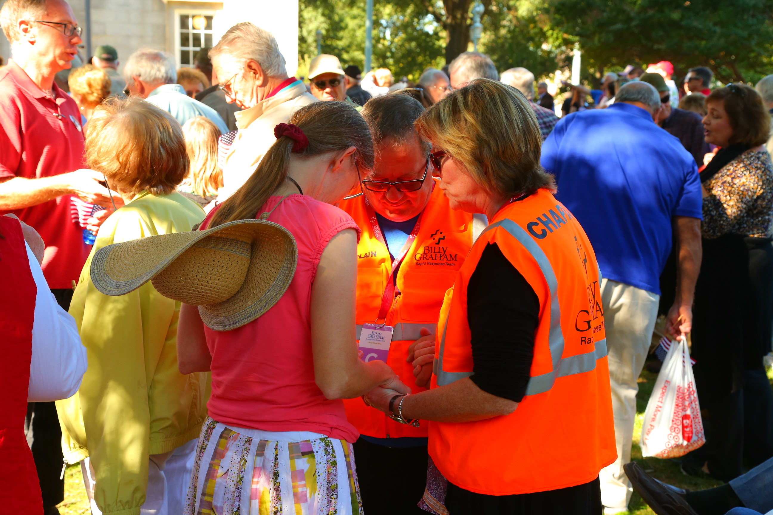 chaplains pray with woman