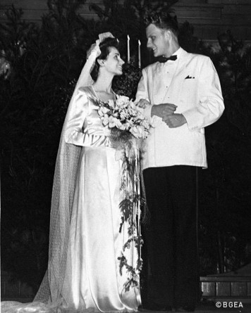 Ruth and Billy Graham on wedding day