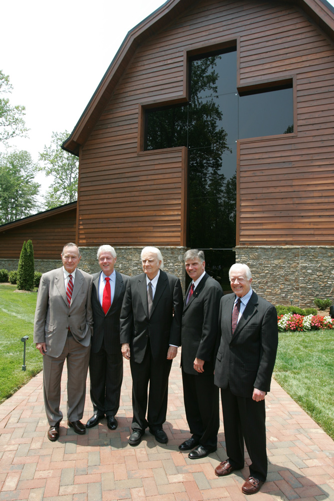 Billy Graham, Franklin Graham and presidents in front of Library