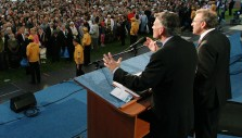 Franklin Graham: Pray for Peace in Ukraine