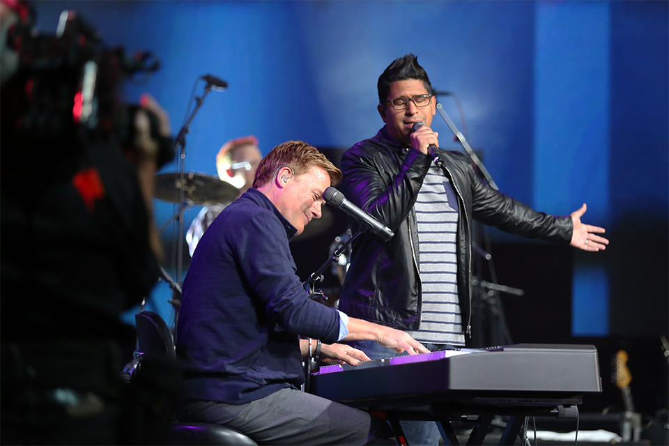 "One of the musical highlights of the bilingual El Paso Festival of Hope was an English/Spanish combo version of ""I Surrender All"" by Michael W. Smith and Daniel Calveti."