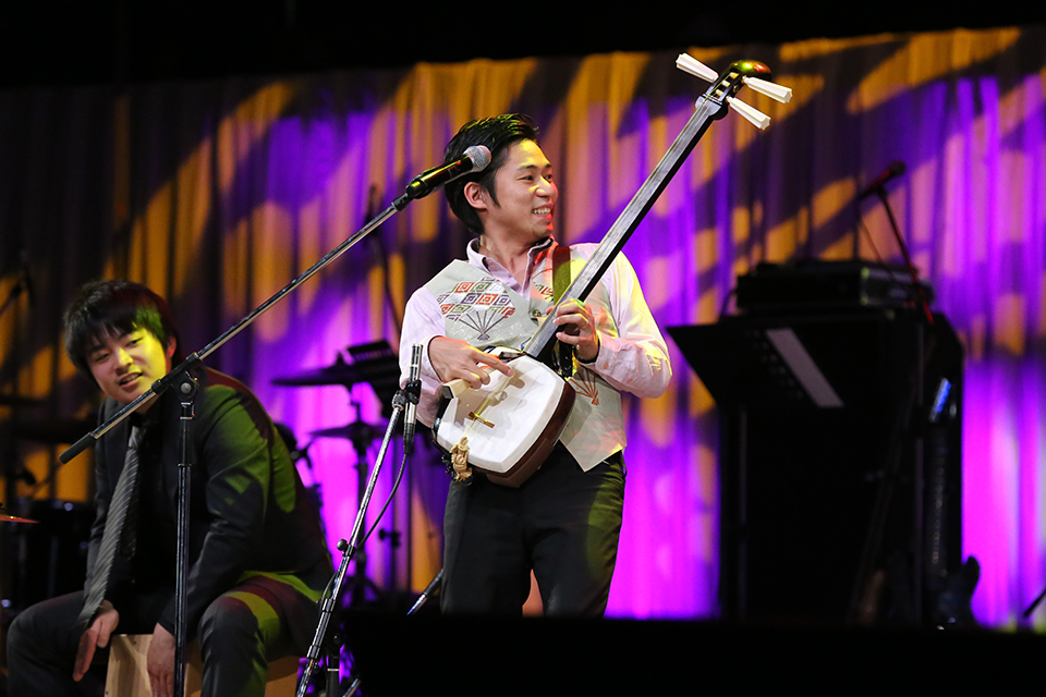 shamisen player