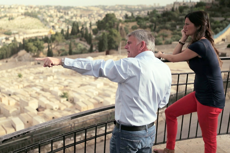 Cissie and her father Franklin Graham in Jerusalem