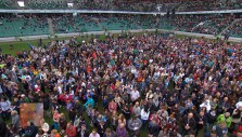 Watch Hundreds Pray the Prayer of Salvation at Warsaw Festival of Hope