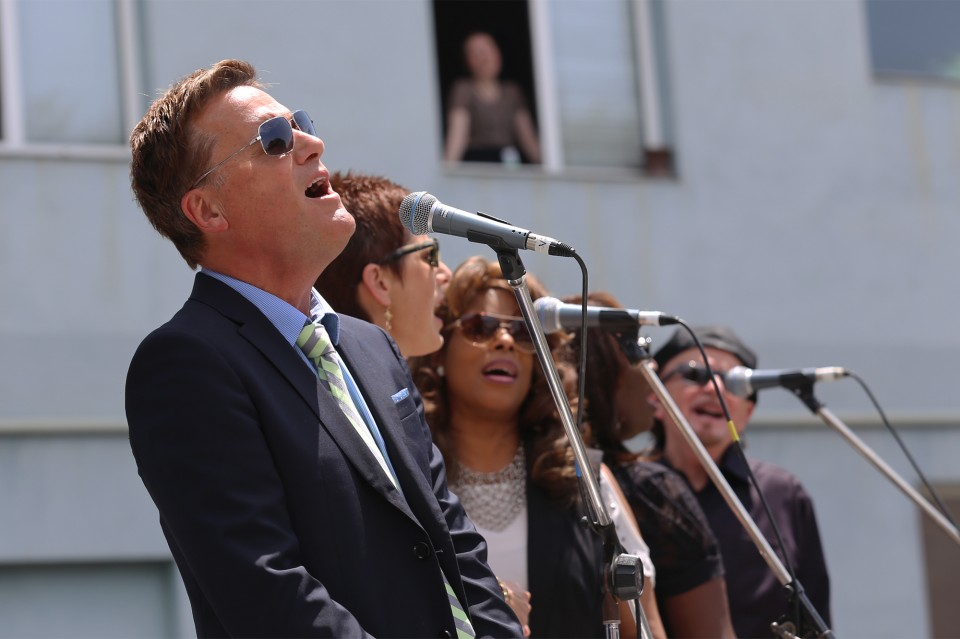 Michael W. Smith and the Tommy Coomes Band came together to bring worship music, setting the stage for Franklin Graham to share the Good News.