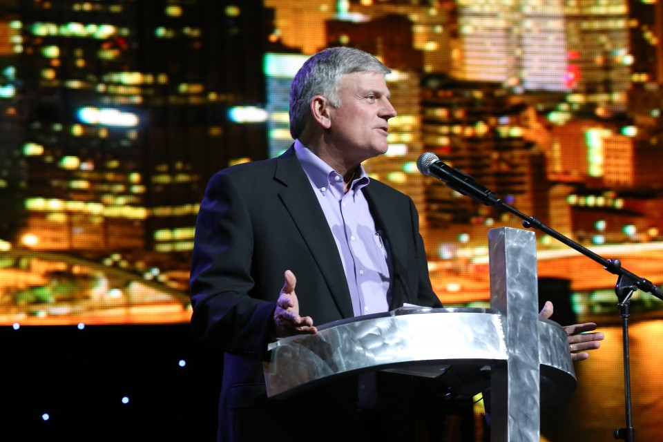 Franklin Graham talks to the young people about eternal life.