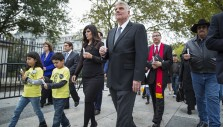 Franklin Graham Lends Voice to Launch Worldwide Saeed Prayer Vigil