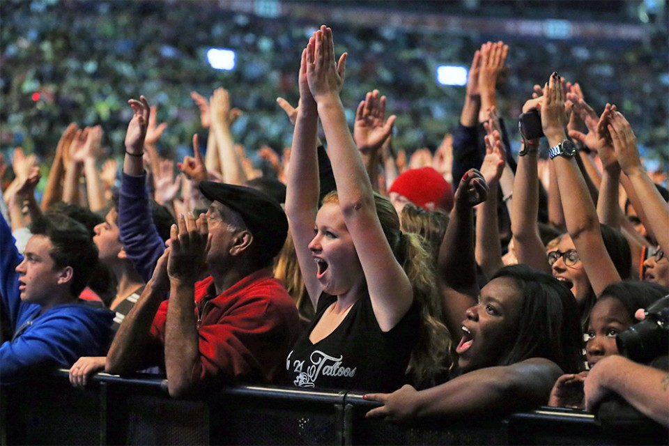 The crowd at the Air Canada Centre didn't just sing along, but were using their hands to praise God to all different musical genres.