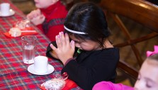 Photos: 200+ Kids Hear Christmas Story at 7th Teddy Bear Tea