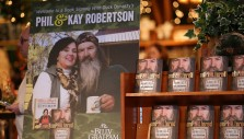 Photos: Book Signing with Duck Dynasty's Phil and Kay Robertson