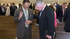 Franklin Graham Prays with Leaders in Birmingham, Alabama