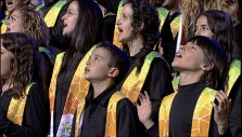 Michael W. Smith and Catalonian Choir Sing Agnus Dei in Barcelona