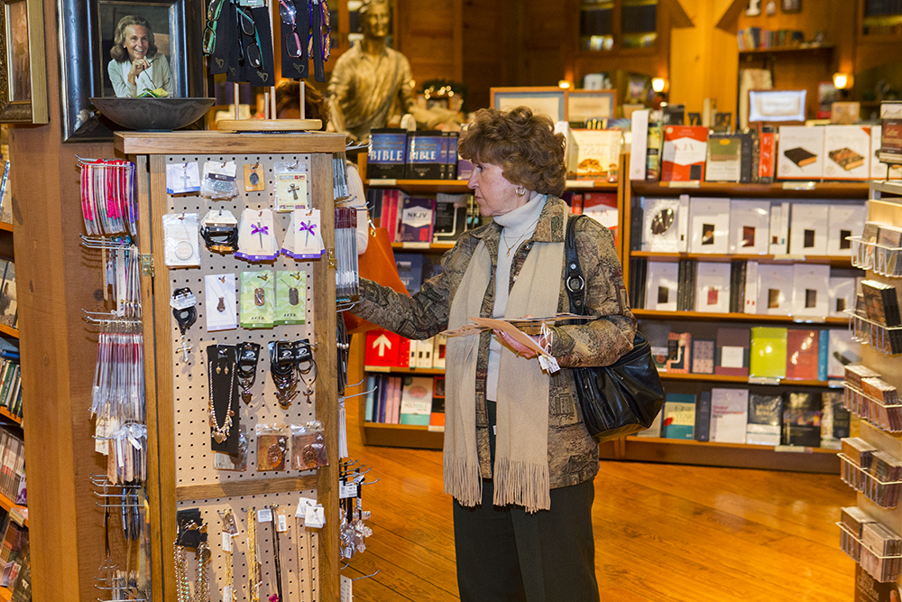 woman shopping at Ruth's Attic at the Billy Graham Library