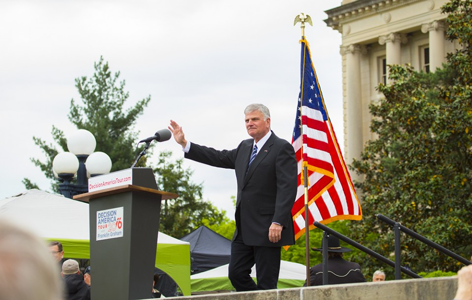 Franklin Graham waving
