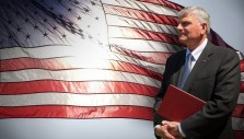 Join Franklin Graham Live Online to Pray for the USA