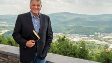 Franklin Graham: This DVD Makes Sharing the Gospel Easy