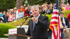 Franklin Graham: Christians Must Vote in This 'Critical Election'