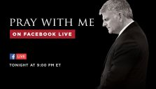 Join Franklin Graham Tonight in Praying for This Critical Election