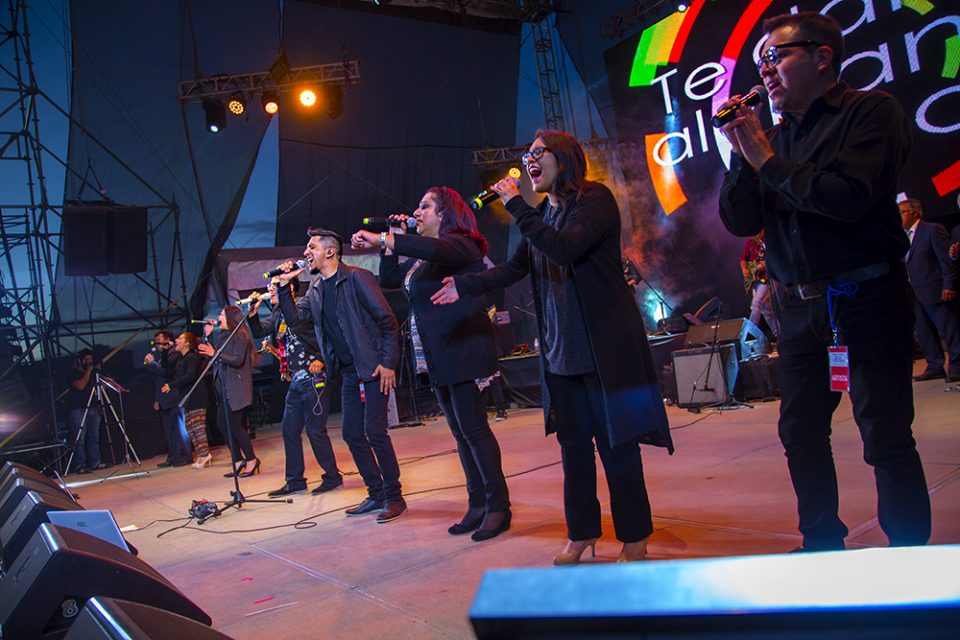 The Mi Esperanza Band on stage