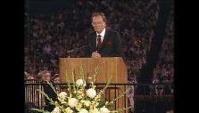 'One Night I Opened My Heart to Christ': Billy Graham Shares His Testimony