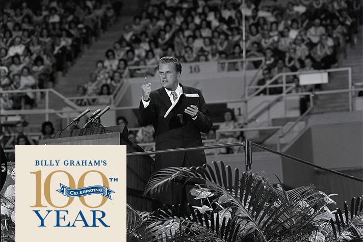 Billy Graham preaching during 1965 Hawaii Crusade