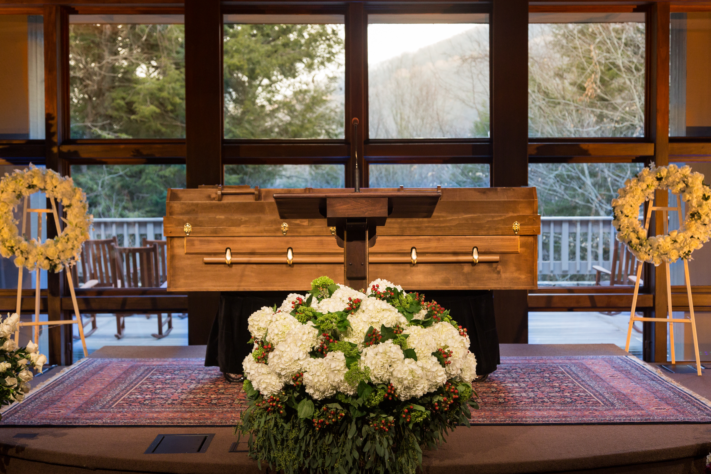 A Simple Casket For Billy Graham Pastor To Millions