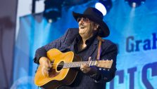 Guitar Virtuoso Dennis Agajanian Still has a Passion for Evangelism