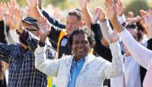 Hundreds Come Home to Christ in Australia's Goldfields