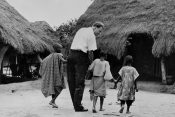 12 Messages from Six Continents: A Glimpse at How God Used Billy Graham to Reach the World