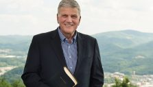 Franklin Graham to Sign 'Through My Father's Eyes' at Billy Graham Library Today